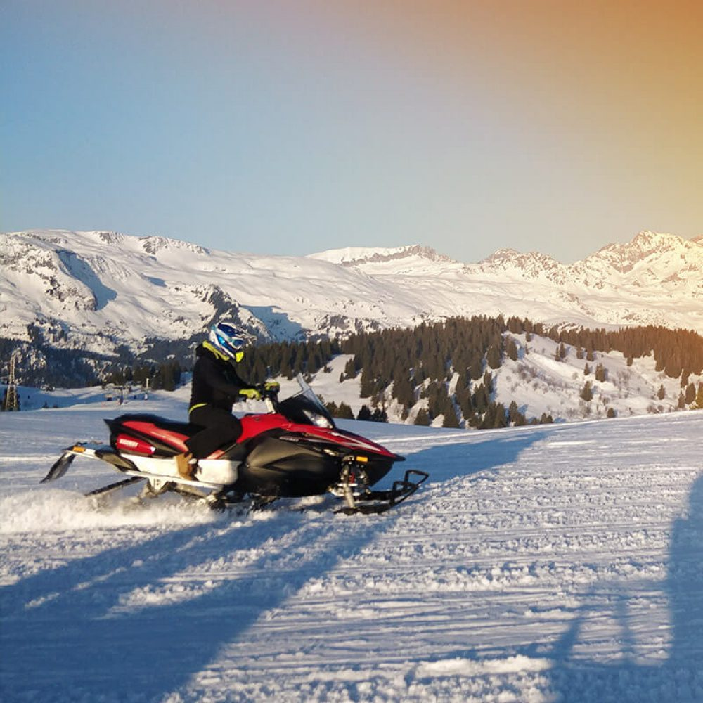 Motoneige près d'Annecy en Savoie